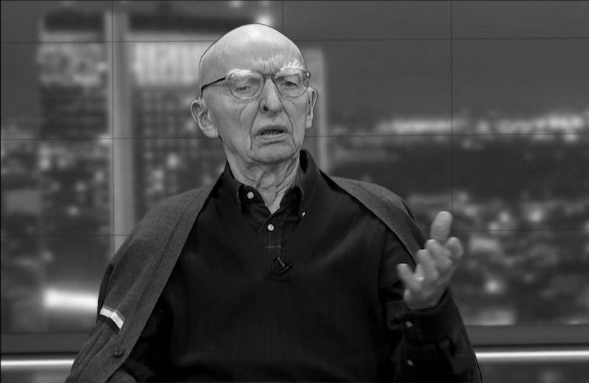 Bogusław Wolniewicz – polski filozof, profesor nauk humanistycznych i publicysta. Znany między innymi z radykalnej krytyki Unii Europejskiej. Zmarł 4 sierpnia 2017 r.